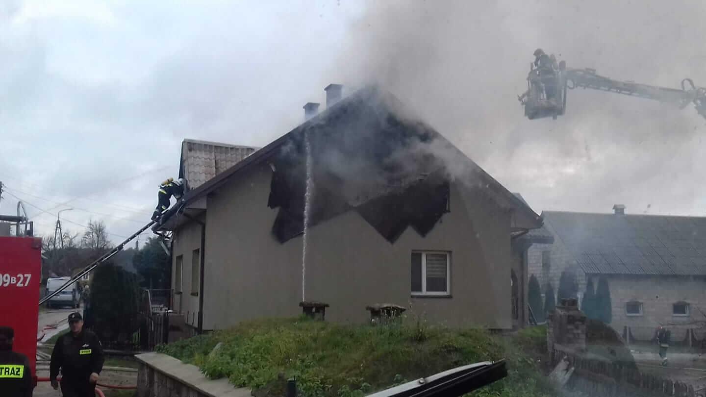 Pożar domu jednorodzinnego w Kossakach-Borowych